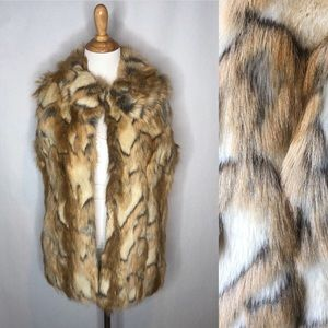 Rachel Zoe Pointed Collar Faux Fur Vest small